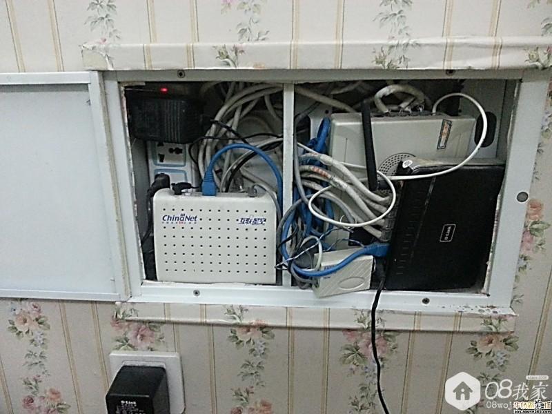 老式弱电箱(图片来自网络)