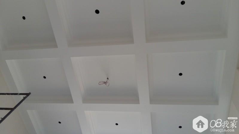 客厅吊顶(刷墙漆后效果).jpg
