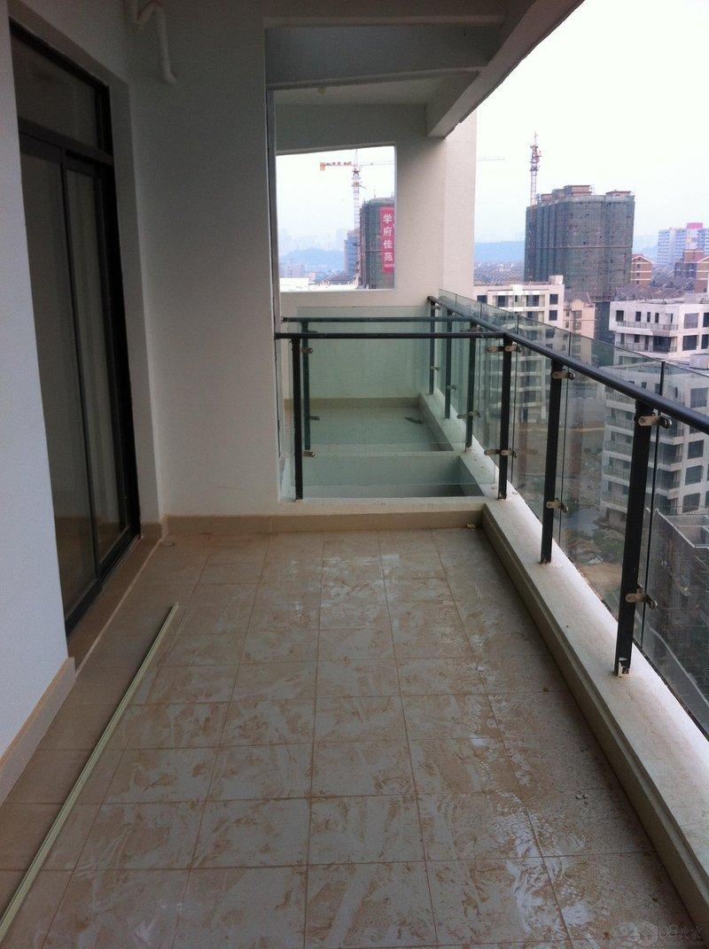 大阳台,视野开阔