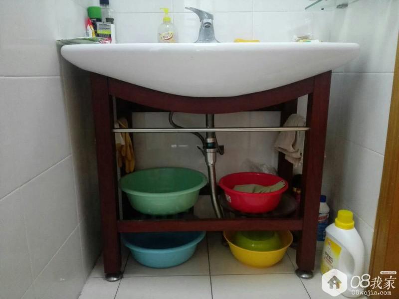 图1 湘雅路浴室柜.jpg