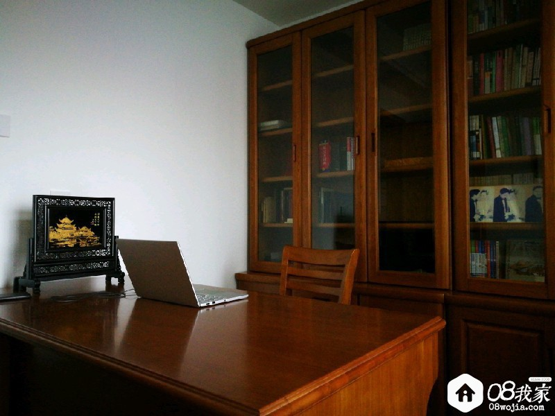 书桌.jpg