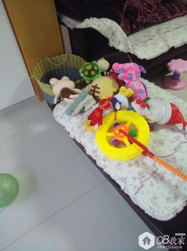 家中散落的玩具