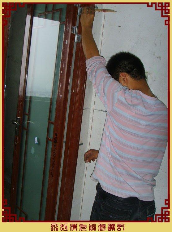 品尚移门在装卫生间门,校正.jpg